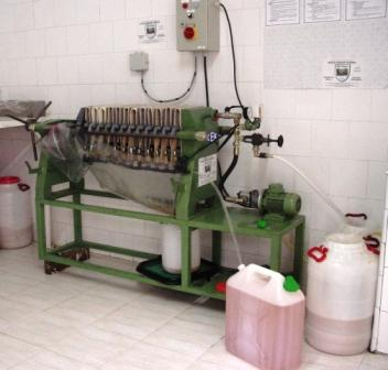 Machine à Filtre, qui sert à la filtration de l'huile après  extraction.